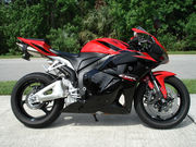 теперь  Мото Спорт 2011 Honda CBR600RR